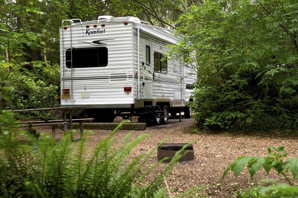 The longest recommended RV size for most national and state parks is 27 to 29 feet. Most campgrounds can have 40 feet of space, though