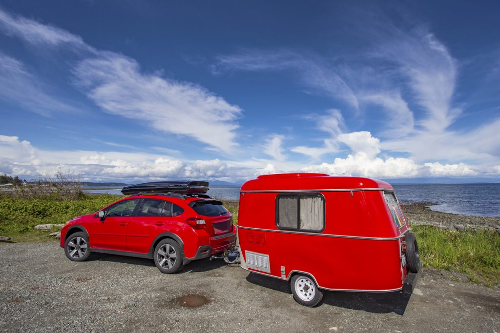 How Do You Know What Size RV Your Compact SUV Can Tow?